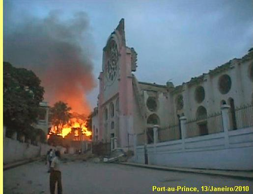 Após o terramoto seguiram-se incêndios.
