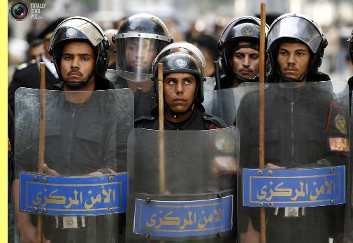 Polícia de choque egípcia.
