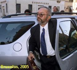 Raul Reyes durante uma visita � Europa.