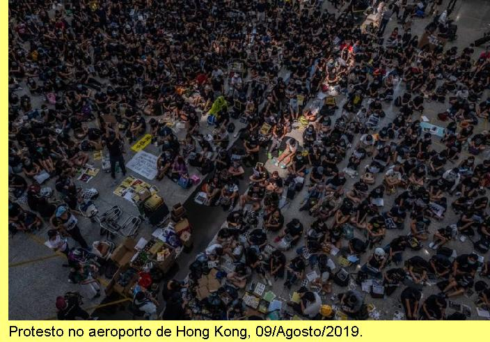 Protesto no aeroporto de Hong Kong, 09/Agosto/2019.